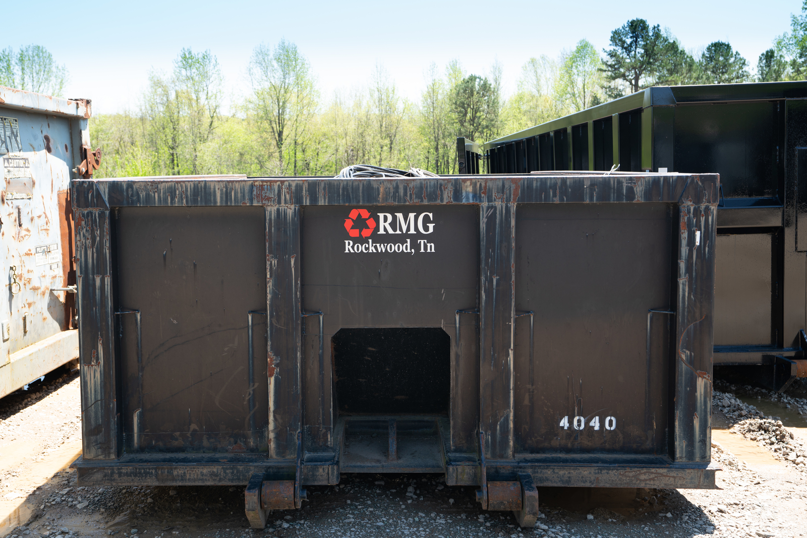 Roanes Metal Group containers in East Tennessee